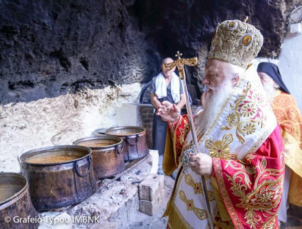 Πλήθος προσκυνητών στην πανηγυρίζουσα Ιερά Μονή Τιμίου Προδρόμου Σκήτης Βεροίας