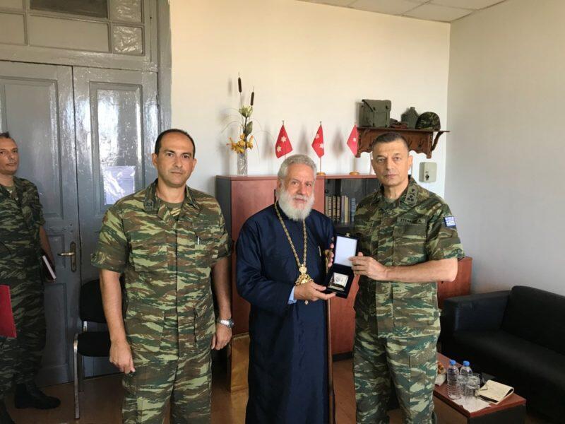 Ερμούπολη: Τον Αρχηγό του ΓΕΣ υποδέχθηκε ο Σύρου Δωρόθεος