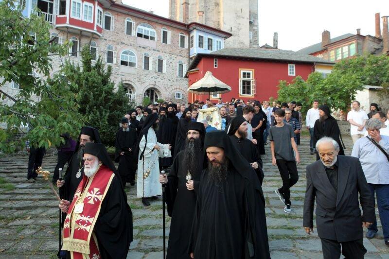 Αγιο Όρος: Λιτανεία της Παναγίας Βηματάρισσας στη Μονή Βατοπαιδίου