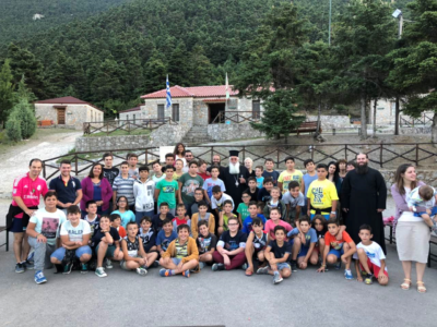 Επίσκεψη Θηβών Γεώργιου στα παιδιά της Μητρόπολης Αργολίδος που φιλοξενήθηκαν στη Μητρόπολη