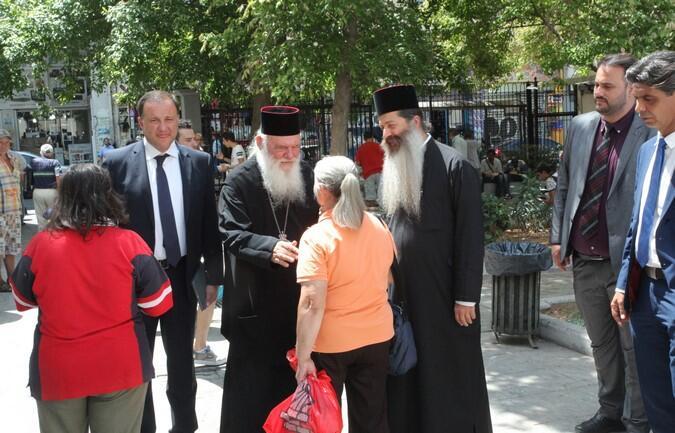 Το κεντρικό συσσίτιο της Αρχιεπισκοπής επισκέφθηκε ο Αρχιεπίσκοπος