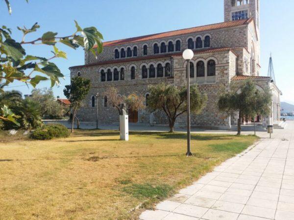 Βόλος: 16χρονος βρέθηκε αλυσοδεμένος έξω από τον Ιερό Ναό του Αγ. Κωνσταντίνου