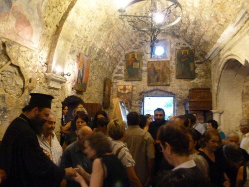 Μητρόπολη Πέτρας: Ακολουθίες προς την Υπεραγία Θεοτόκο