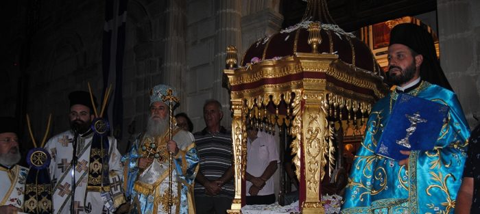 Ζάκυνθος: Λιτανευτηκε η Επιτάφιος Θεοτόκος στην Φανερωμένη