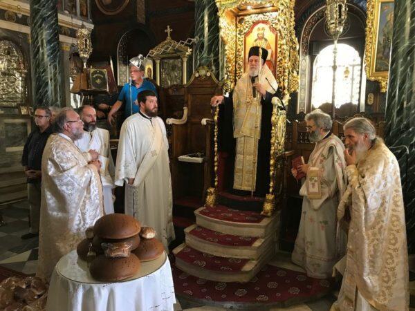 Αγίου Αλεξάνδρου: Σε εορτάζοντες συνεργάτες του ευχήθηκε ο Μητροπολίτης Συρου
