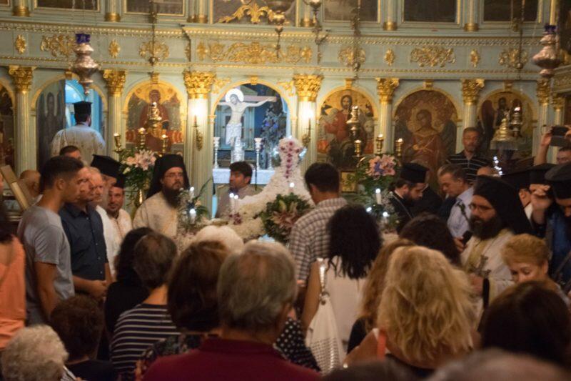 Λευκάδα: Οι Στάσεις των Εγκωμίων και η λιτάνευση του Επιταφίου της Παναγίας