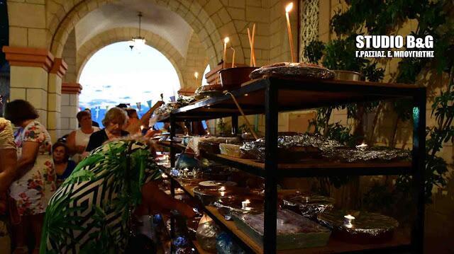 Άγιος Φανούριος: Εσπερινός - Εκατοντάδες φανουρόπιτες στο Ναύπλιο