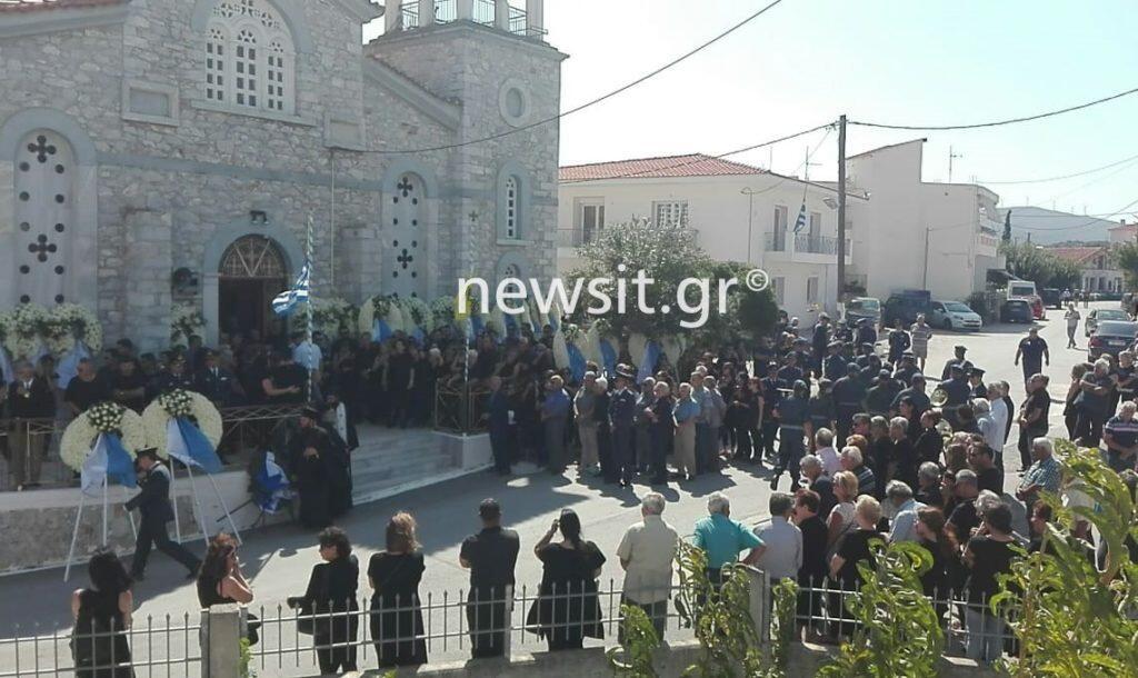 Θρήνος στην κηδεία του Επισμηναγού Νικόλαου Βασιλείου στην Εύβοια