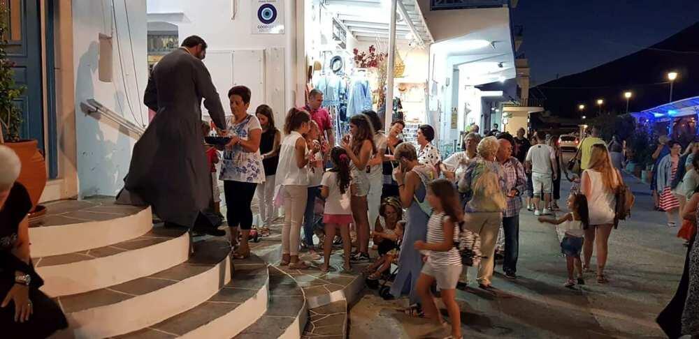 Σίφνος: Επιτυχής η έκθεση χριστιανικού βιβλίου της Μητρόπολης Σύρου