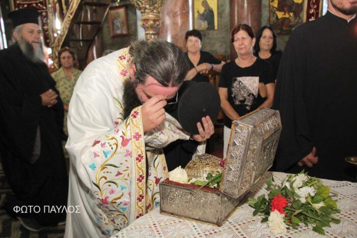 Κοσμοσυρροή στον Αρχάγγελο Ρόδου για τη Τίμια Κάρα του Αγίου Παρθενίου
