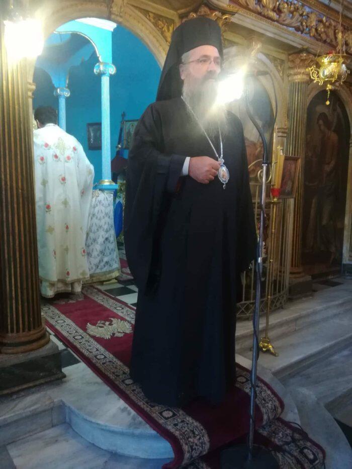 Κυριακάτικη Θεία Λειτουργία στον Ενοριακό Ναό Αγίου Ιωάννου Προδρόμου Καστού
