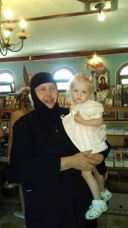 Θαύμα με το λαδάκι του Αγίου Πορφυρίου στη μικρή Ιουλία