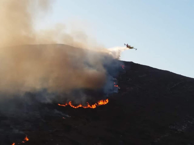 Φωτιά Πάρος - Τώρα: Προχωρά σε Ανερατζιά