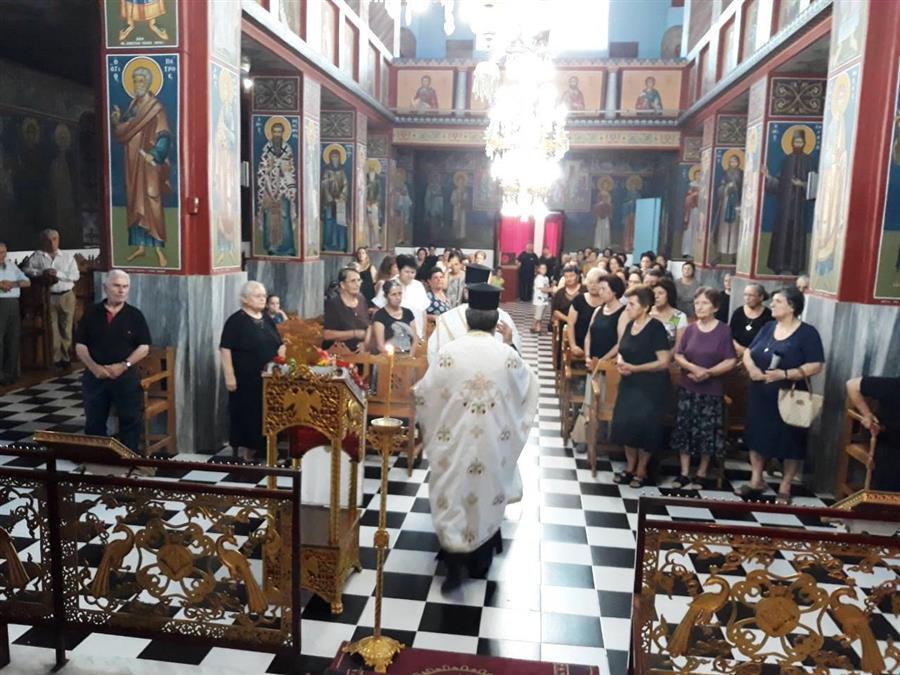 Οι ακολουθίες του Εσπερινού και του Μικρού Παρακλητικού Κανόνος προς την Υπεραγία Θεοτόκο στον Ναό Αγίου Δημητρίου Τ.Κ. Καρδιτσομαγούλης