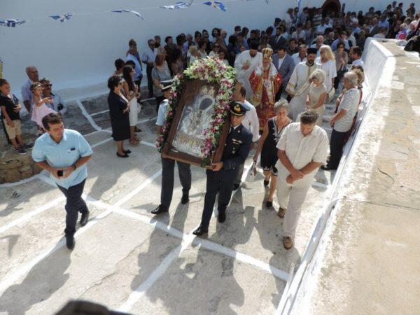 Οι Μυκόνιοι εόρτασαν την Απόδοση της Κοιμήσεως της Θεοτόκου