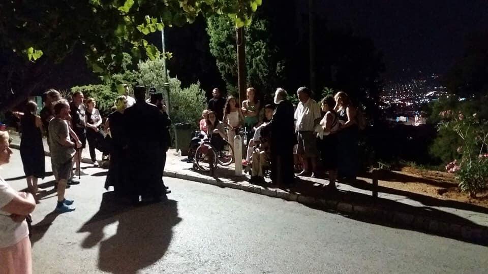 Τίμιος Σταυρός - Λυκαβηττός: Χιλιάδες προσέρχονται αυτές τις ημερες για να βοηθηθούν