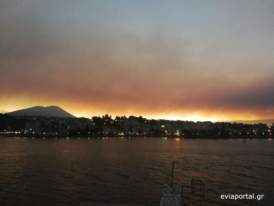Φωτιά Τώρα: Καθηλωτικές φωτογραφίες από Εύβοια