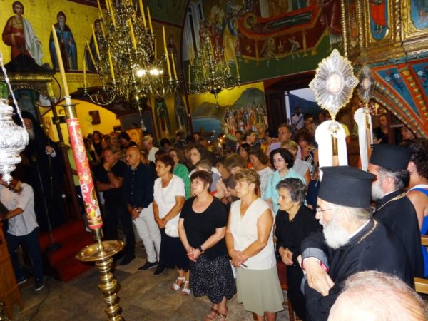 Παράκληση Παναγίας: Πλήθος κόσμου στο Κάστρο Λέρου