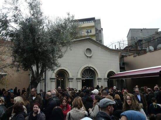 Κωνσταντινούπολη: Εκατοντάδες μουσουλμάνοι προσεύχονται στην Εκκλησία της Παναγίας