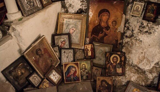 Άγνωστοι έκλεψαν 11 εικόνες σημαντικής αξίας από εκκλησία στην Κόνιτσα