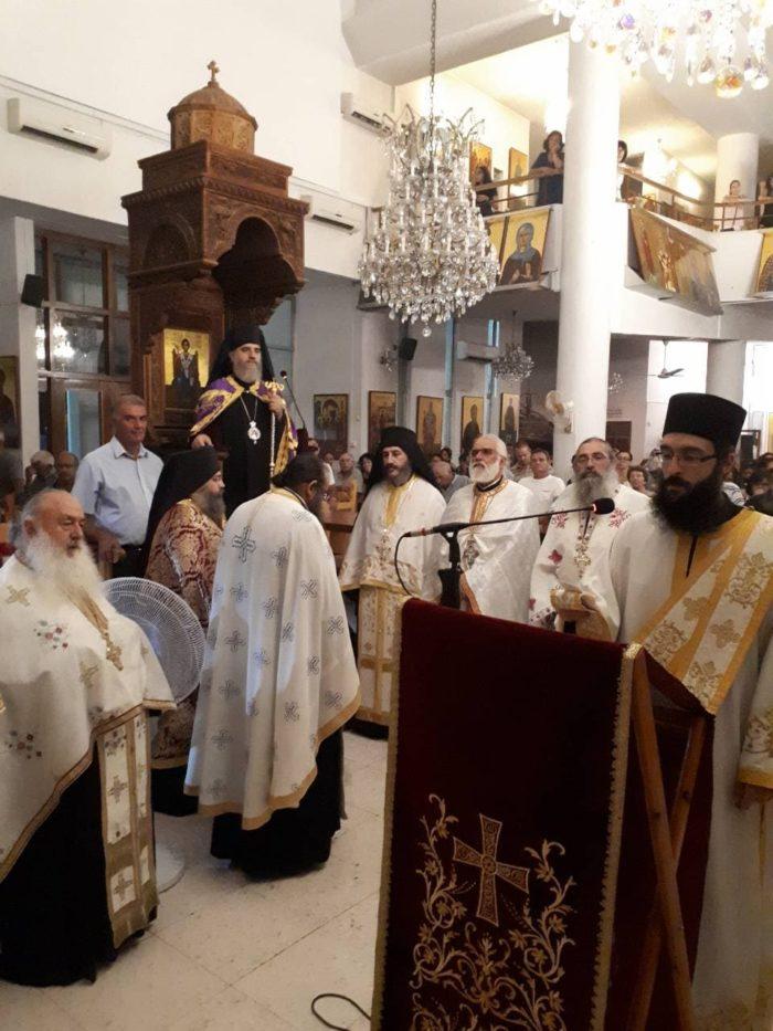 Κύπρος: Κλήρος και λαός υποδέχθηκαν Τιμία Κάρα του Αγίου Παντελεήμονος