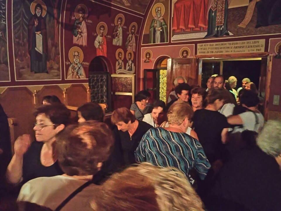 Νυχτερινή Θεία Λειτουργία στο Ι. Παρεκκλήσιο του Αγ. Νεκταρίου Μετοχίου της Ι.Μ. Τιμίου Προδρόμου Κορακιών