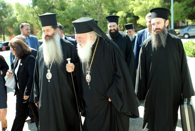 Αρχιεπίσκοπος: Καλούμαστε να αγωνιζόμαστε ο ένας για τον άλλον