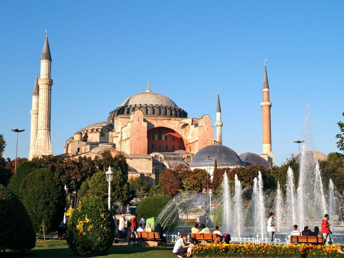 Αγια Σοφια: «Εξωτερική πολιτική και θρησκεία»