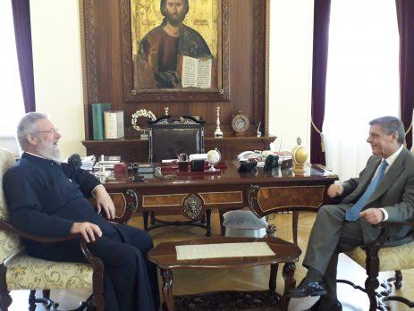Συνάντηση Αρχιεπισκόπου Κύπρου με τον Πρέσβη της Ελλαδος κ. Ηλία Φωτόπουλο