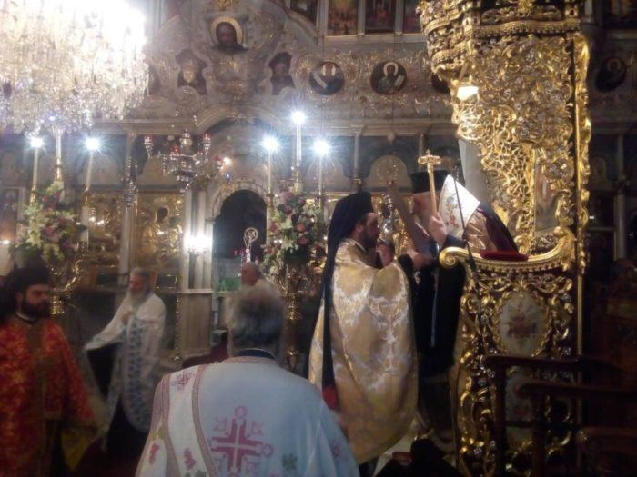 Ερμούπολη: Πλήθος πιστών στον Εσπερινό της Παναγίας Φανερωμένης