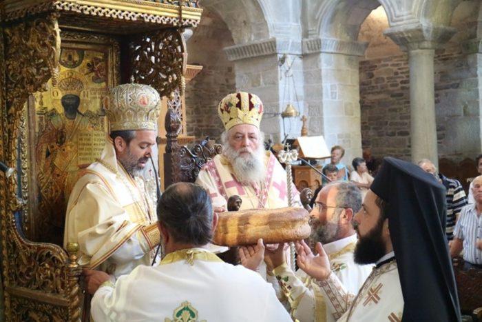 Η εορτή της Υψώσεως του Τιμίου Σταυρού στην Παναγία Εκατονταπυλιανή