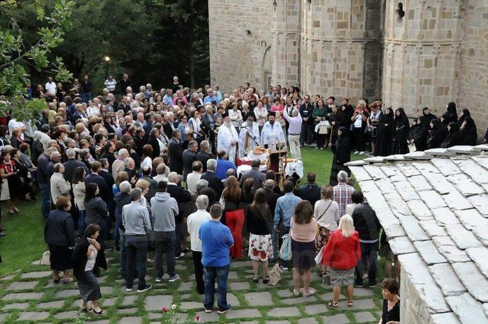 Ύψωση Τιμίου Σταυρού: Εόρτιος Εσπερινός στην «Ακρόπολη» του Ασπροποτάμου