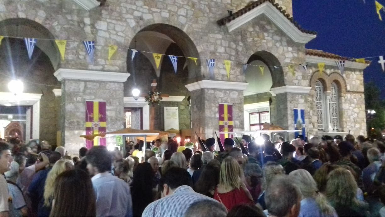 Αιγάλεω  Χιλιάδες πιστοί στο Μεθέορτο Εσπερινό και λιτανεία (ΦΩΤΟ ... 1ee64ffc4f3