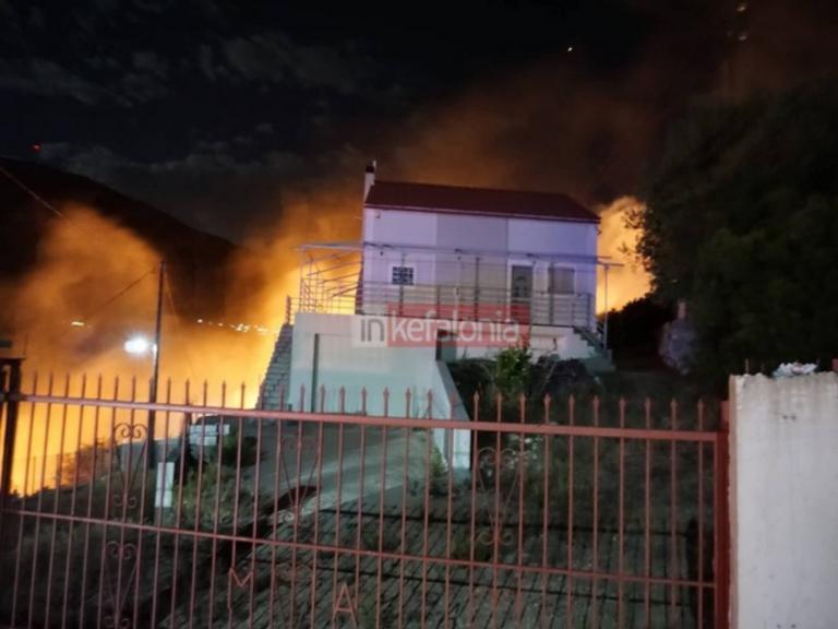 Φωτιά ΤΩΡΑ Κεφαλονιά: Νέα εστία - Εφιάλτης στο νησί