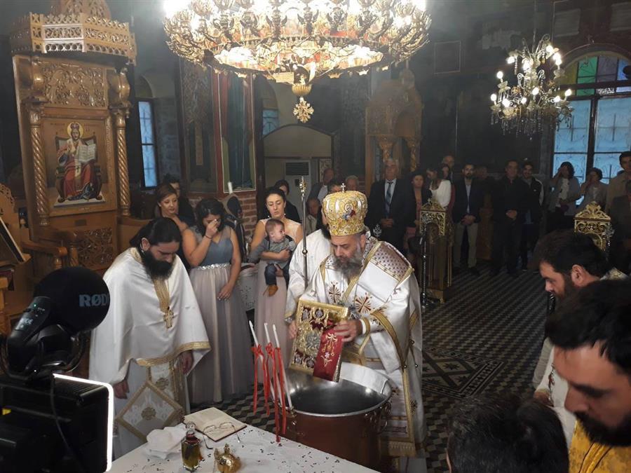 Το Μυστήριο του Βαπτίσματος και του Χρίσματος κατά την διάρκεια της Θείας Λειτουργίας από τον Θεσσαλιώτιδος Τιμόθεο