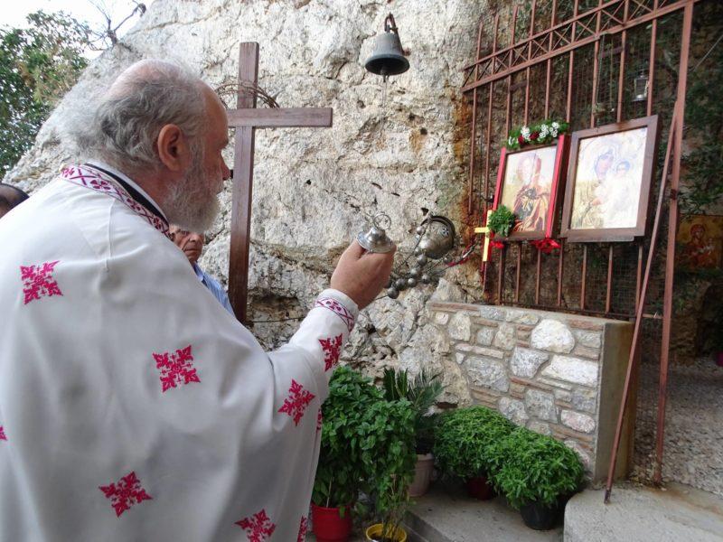 Ύψωση Τιμίου Σταυρού: Λαοθάλασσα απόψε στον Λυκαβηττό για τη γιορτή του Σταυρού