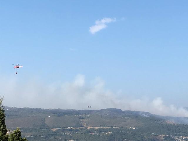 Σάμος φωτιά ΤΩΡΑ: Μαίνεται η πυρκαγιά στη Σάμο