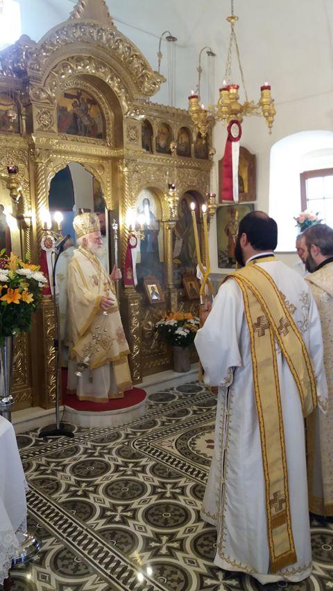 Αγία Σοφία: Αρχιεπίσκοπος Κρήτης και εκατοντάδες πιστοί στον ομώνυμο Ιερό Ναό στην Κνωσό Ηρακλείου