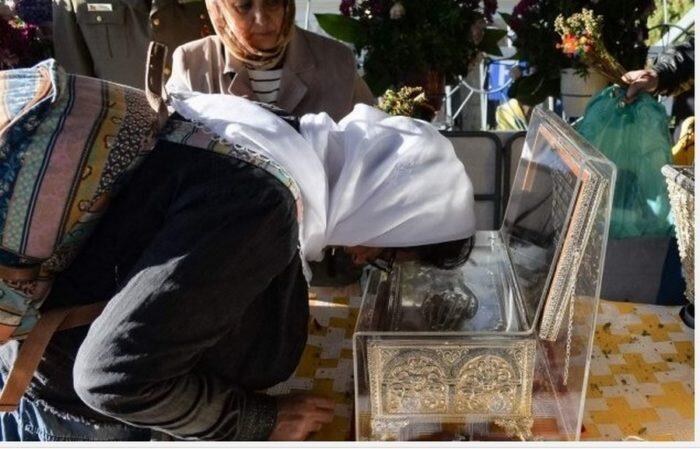 Ρουμανία: Χιλιάδες πιστοί προσκύνησαν το Λείψανο της Αγίας Αικατερίνης