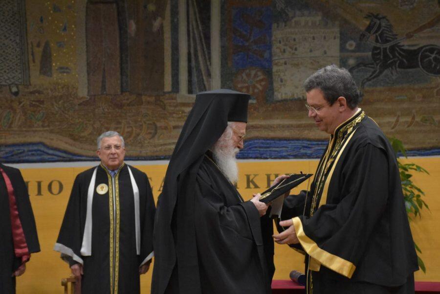 Η βράβευση του Αρχιεπισκόπου Αλβανίας στη Θεσσαλονίκη