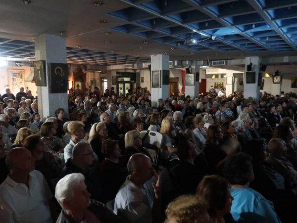 Πλήθος κόσμου στην ομιλία της Ηγουμένης της Μονής του Οσίου Παταπίου Λουτρακίου