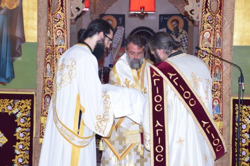 Πολυαρχιερατικό συλλείτουργο στον Άγιο Σάββα Ύψωνα