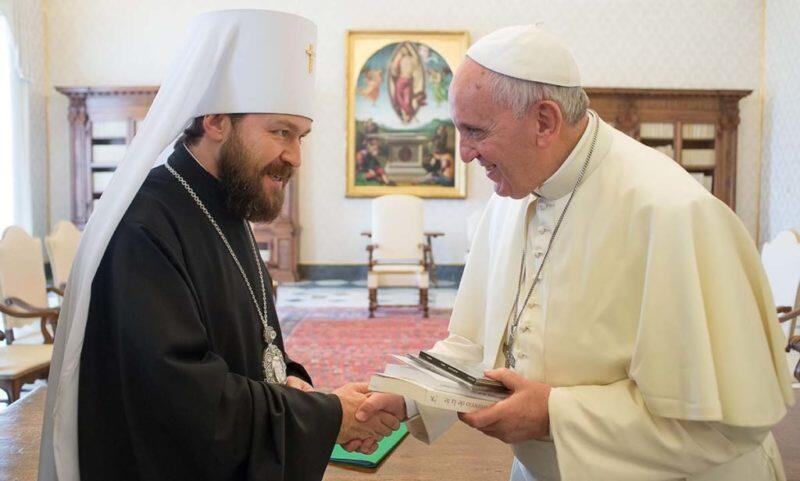 Συνάντηση Πάπα Φραγκίσκου με Μητροπολίτη Ιλαρίωνα