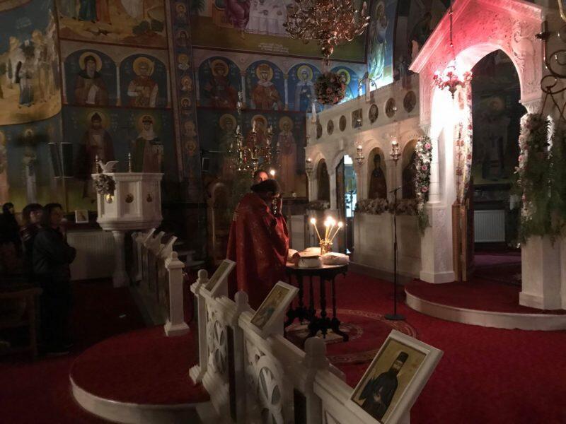 ΤΩΡΑ: Ιερά Αγρυπνία ενώπιον της Τιμίας Κάρας της Αγίας Παρασκευής από τον Αρχιμ. Σαρ. Σαράντο