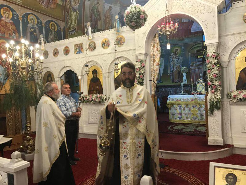 Αγία Ματρώνα ΤΩΡΑ: Μικροί και μεγάλοι προσκυνούν την Τίμια Κάρα της Αγίας Παρασκευής - Μεθέορτος Εσπερινός