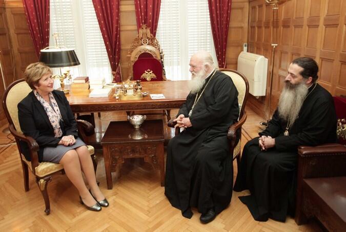 Η υφ. Εθνικής Άμυνας και ο Γεν. Γραμμ. Δημόσιας Τάξης στον Αρχιεπίσκοπο