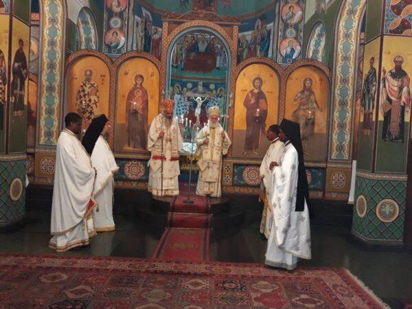Δισαρχιερατική Θεία Λειτουργία στον Ναό του Αγ. Νικολάου στην Κινσάσα