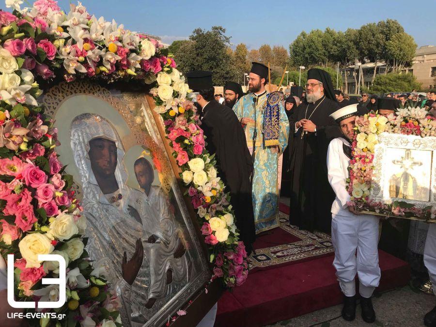 Συγκινητικές στιγμές: Η Θεσσαλονίκη υποδέχθηκε την Παναγία των Ελαιών και το Τίμιο Ξύλο