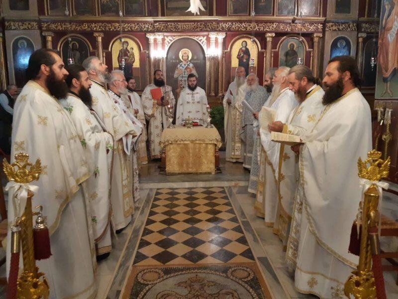 Τρίκαλα: Η Θεία Λειτουργία του Αγίου Ιακώβου του Αδελφοθέου στον Ιερό Ναό Αγίου Στεφάνου