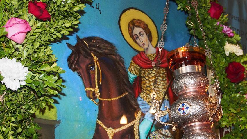 Αποτέλεσμα εικόνας για αγιος δημητριος καβαλαρης